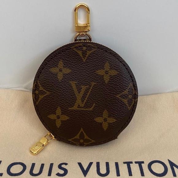 Louis Vuitton Handbags - New Louis Vuitton Multi Pochette coin pouch ONLY